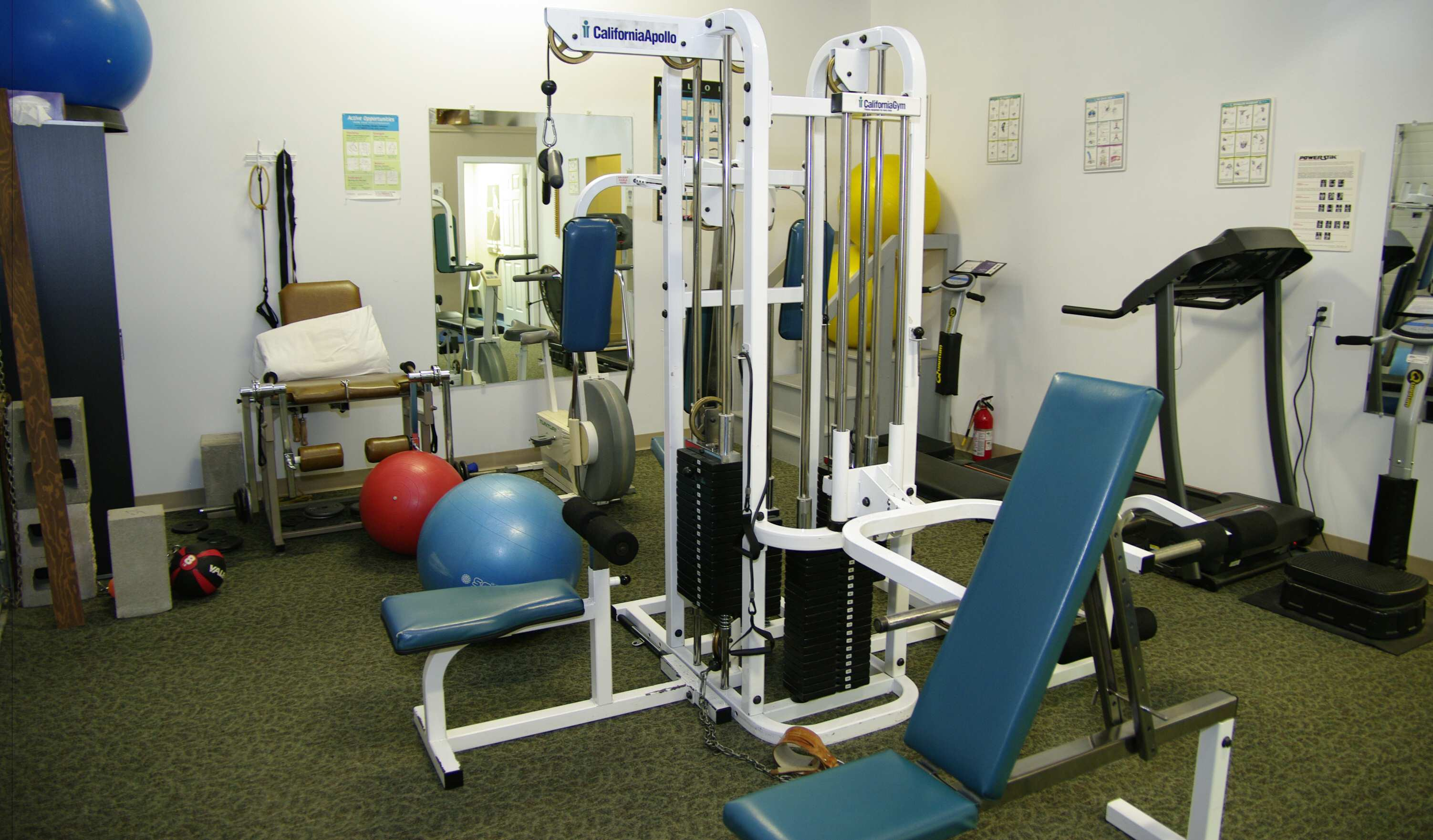 The St. James Rhab clinic provides a gym area and equipment for use by its clients